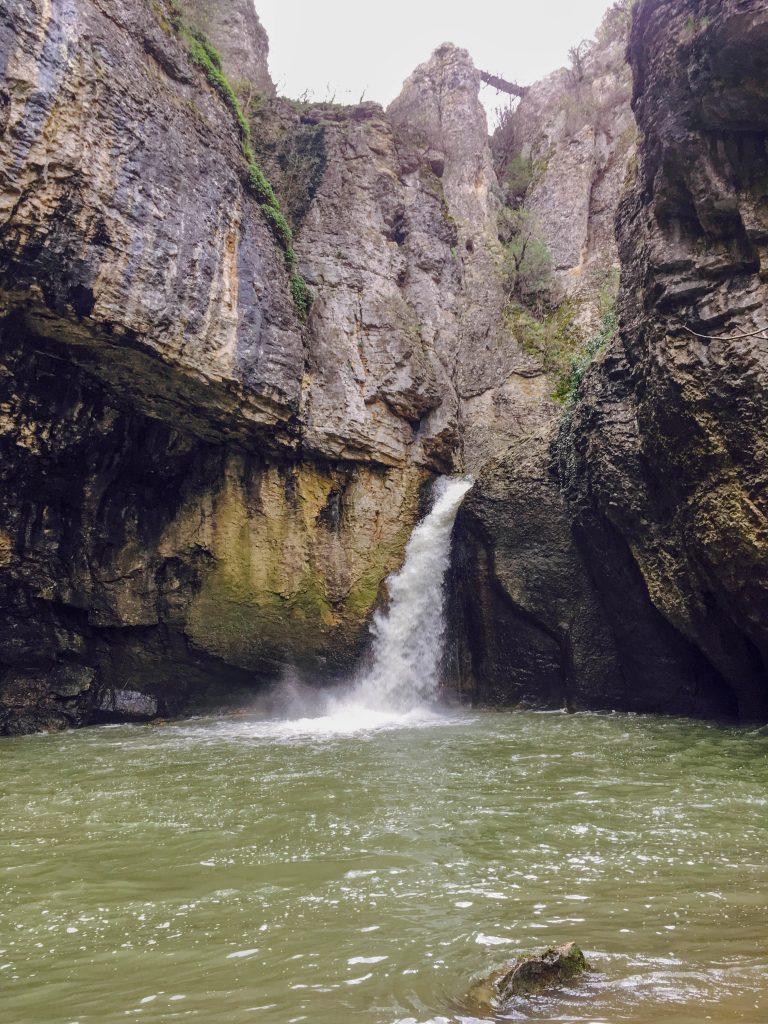 Водопад Момин скок при дъжд