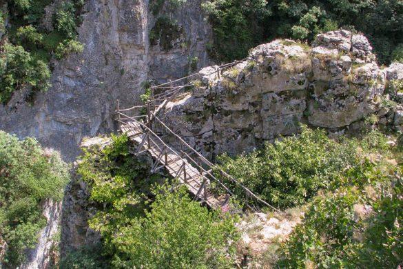 Мостчетата по Еменската екопътека