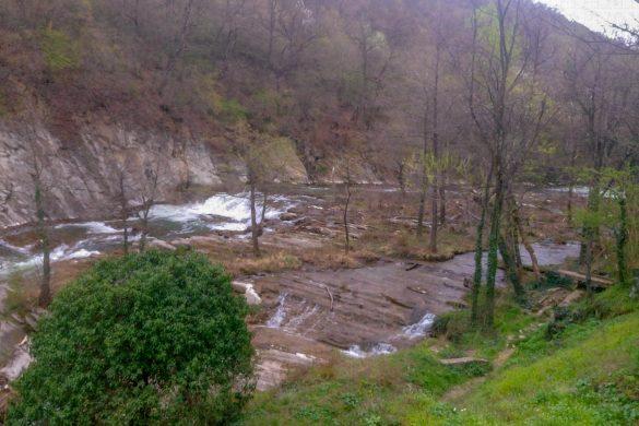 Разходка над водопада